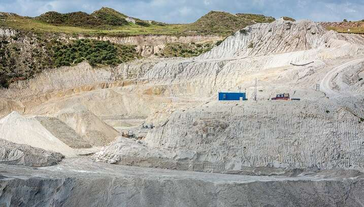 How Hitachi benchtop XRF instruments support production for mining company Sibelco